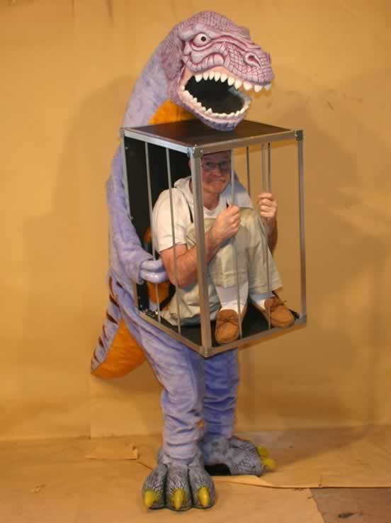 men-in-weird-halloween-costumes2